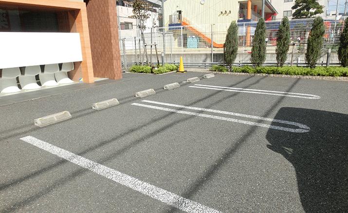 サカモト歯科医院は駐車場3台完備